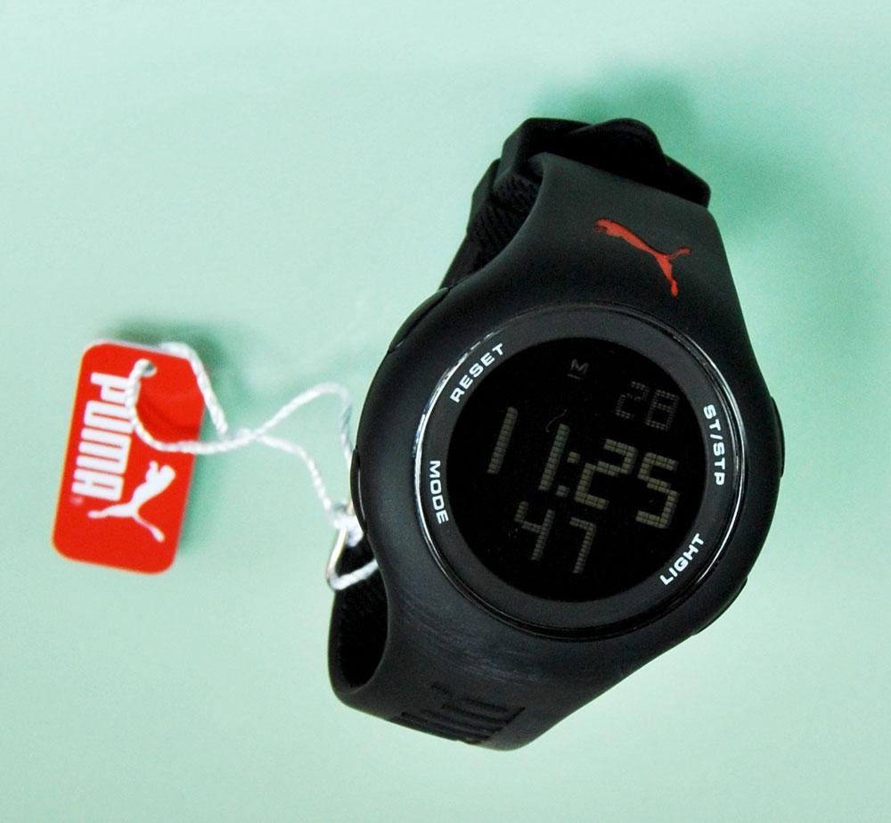 Dadurch finden Sie bestimmt auch eine Uhr, die farblich Ihren Vorstellungen entspricht. Gelbgoldene Armbänder für Armbanduhren passen sehr gut zu Goldschmuck und strahlen als nobles Accessoire vom Handgelenk. Sie machen die Armbanduhr zu etwas ganz Besonderem und .